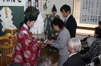 「岡村精二後援会の事務所開き」 温かい励ましに感謝の気持ちを新たにしました。