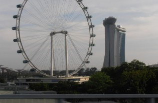 国際見本市「JECアジア2011inシンガポール」へ
