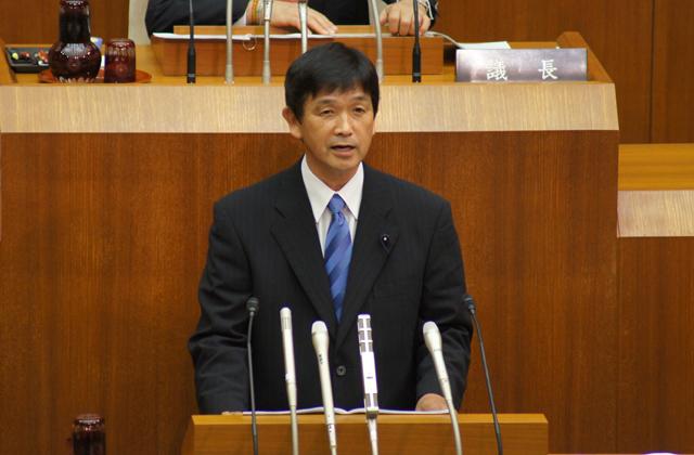 平成24年6月議会が終了。初めて「代表質問」を行いました。