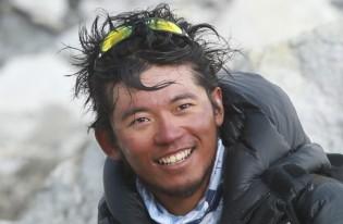 友人の栗城史多君がエベレスト登頂を断念11.26